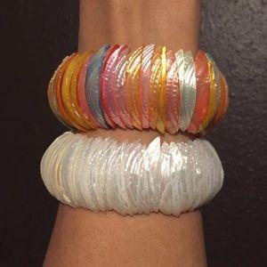 🌺3 for $20🌺 Set of 2 beaded shells bracelets